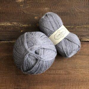 Garnnøgler fra Camarose Tynd Lamauld 5014 Støvet Lavendel