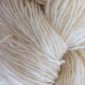 Garnnøgle fra Isager Tweed Raw White