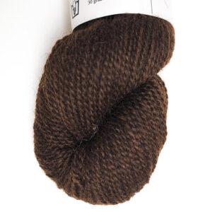Spændende garn fra Hjelholt Kastanjebrun