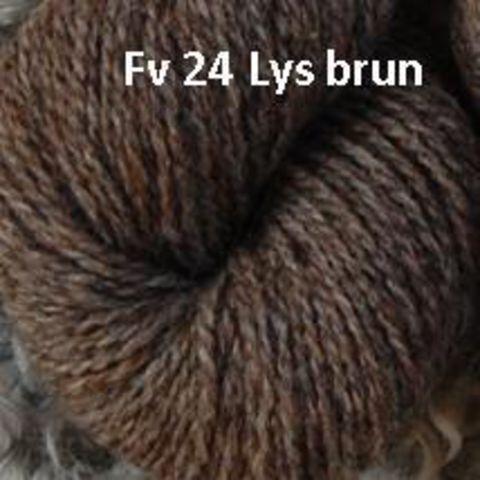 Garn fra Hjelholts Uldspinderi Lys Brun 24