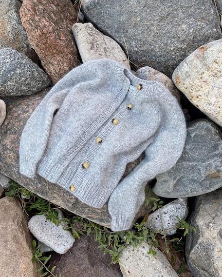 Novice Sweater fra Petiteknit