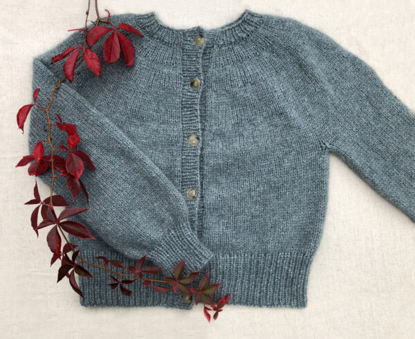 Sweater i Alice og silkeblomst