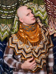 mand med et sjal