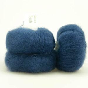 Spændende garn fra Tante Grøn CPH - Silkeblomst Jeansblå 884